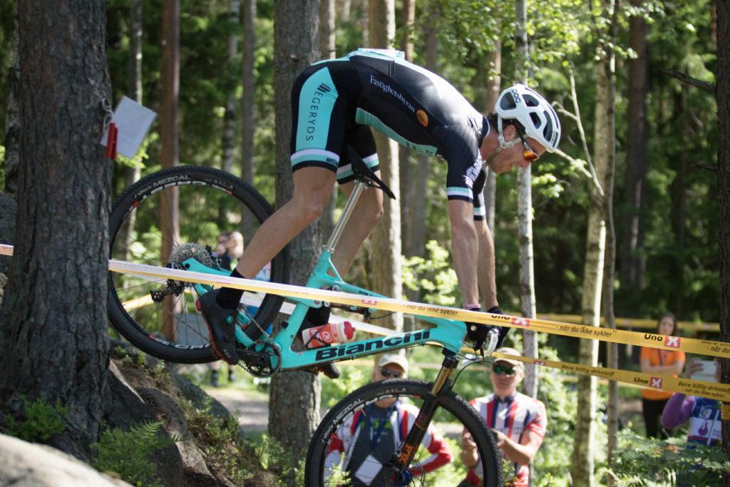 Matthias Wengelin på en av de brattere partiene under fjorårets Rye Terrengsykkelfestival. Foto: Bengt Ove Sannes